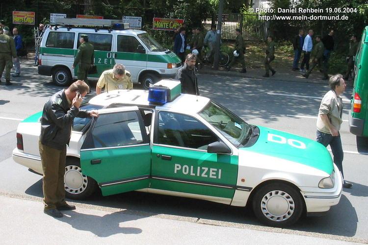 photos de voitures de police page 121 auto titre. Black Bedroom Furniture Sets. Home Design Ideas