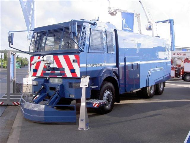 Modifs photoshops de v hicules de secours police for Piscine mobile sur camion