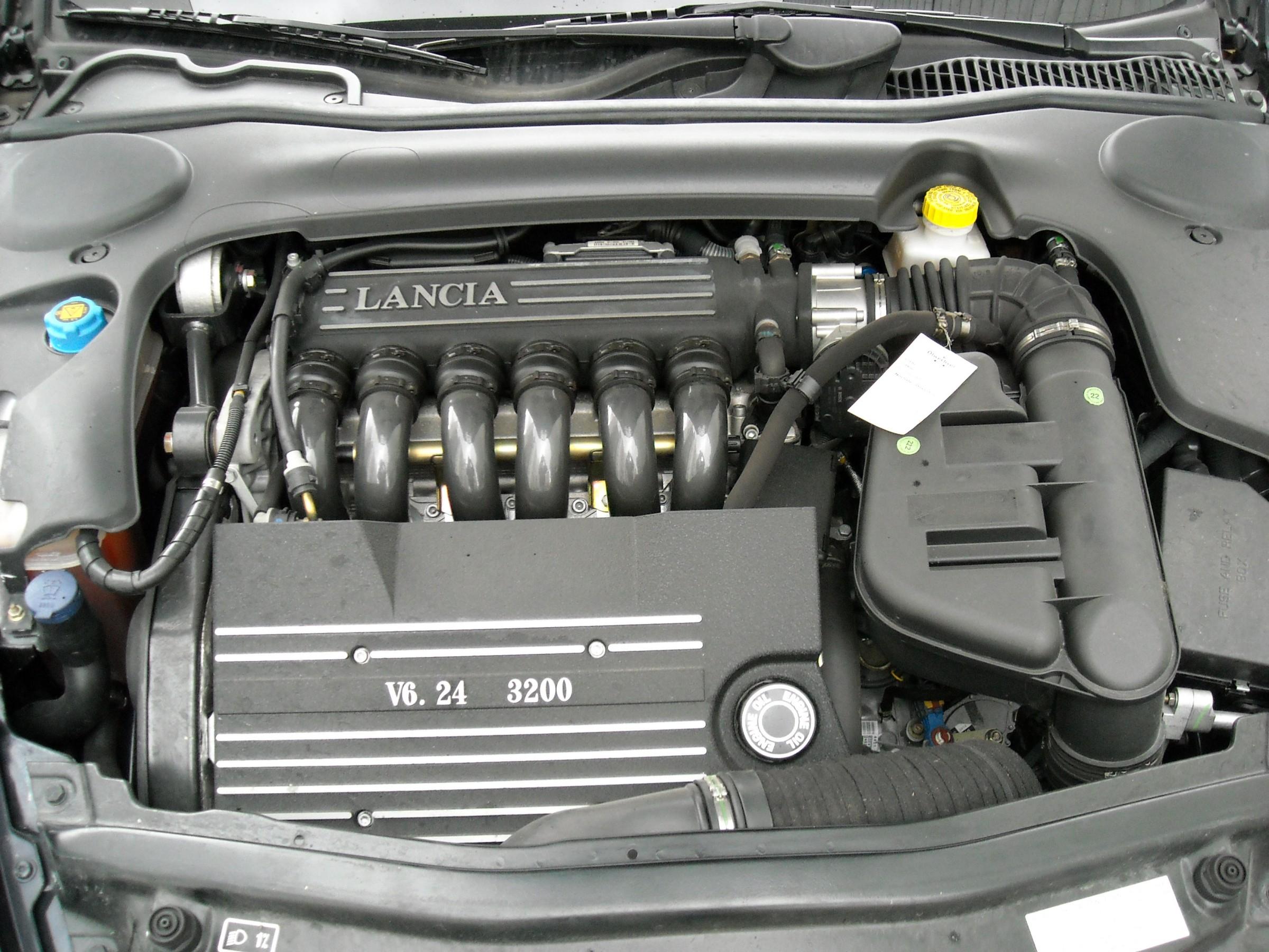 Lancia thesis 3 0 v6