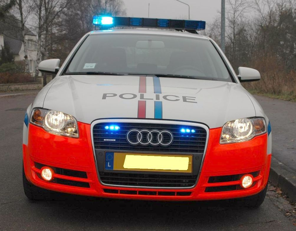 photos de voitures de police - page 132