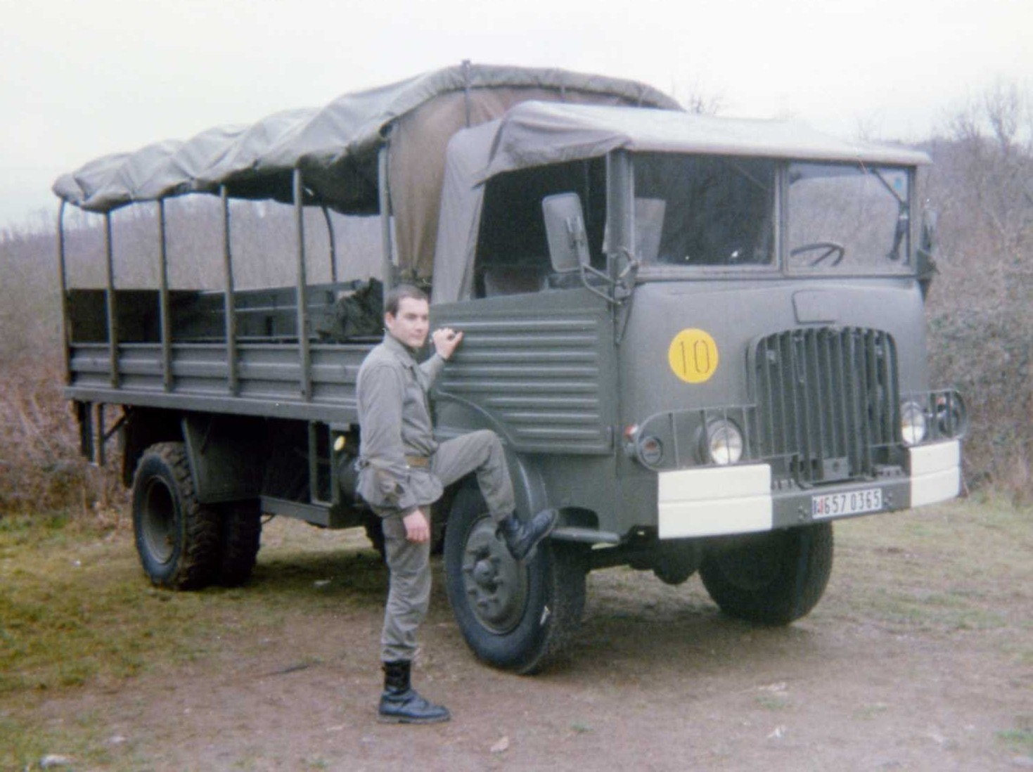 photo de vehicule militaire page 17 auto titre. Black Bedroom Furniture Sets. Home Design Ideas