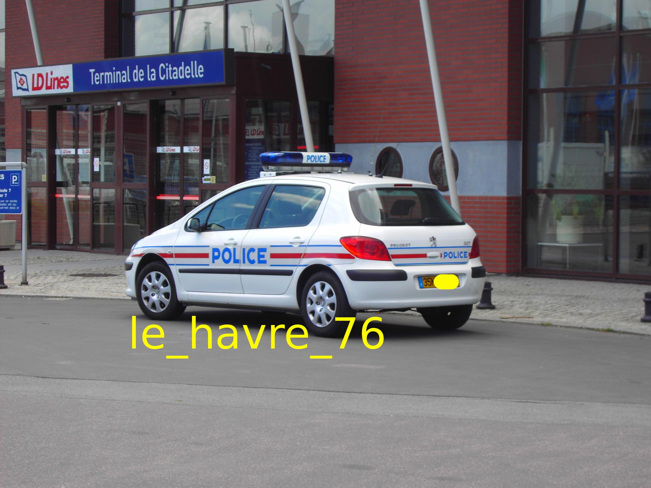 photos de voitures de police page 1352 auto titre. Black Bedroom Furniture Sets. Home Design Ideas