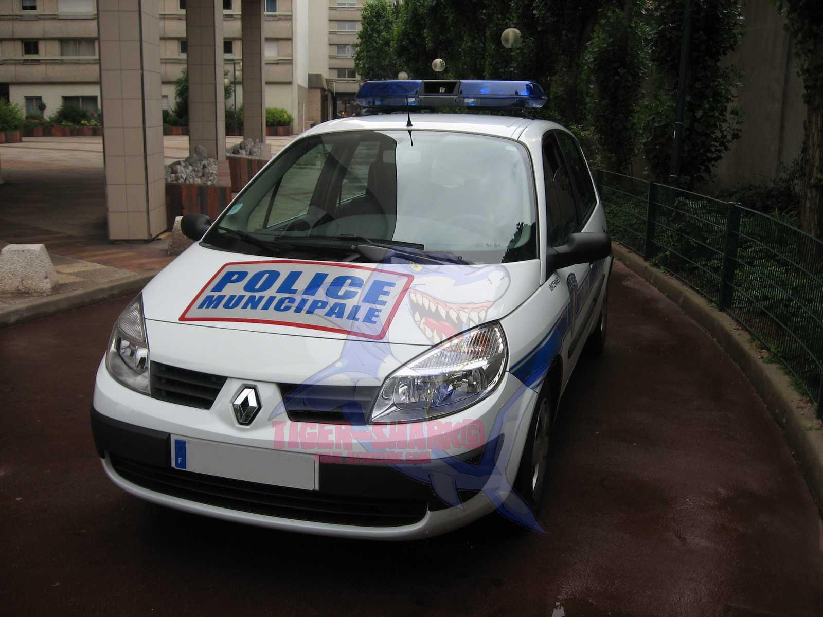 photos de voitures de police page 1436 auto titre. Black Bedroom Furniture Sets. Home Design Ideas