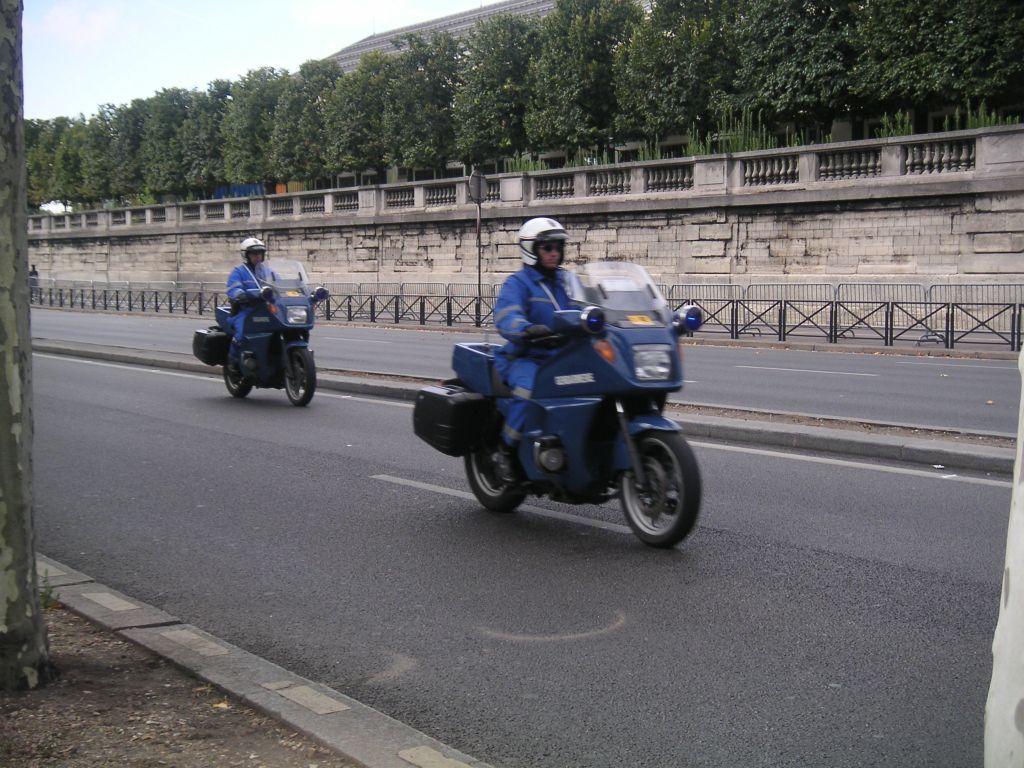 Photos de voitures de police page 81 auto titre - Nouvelle grille indiciaire gendarmerie ...