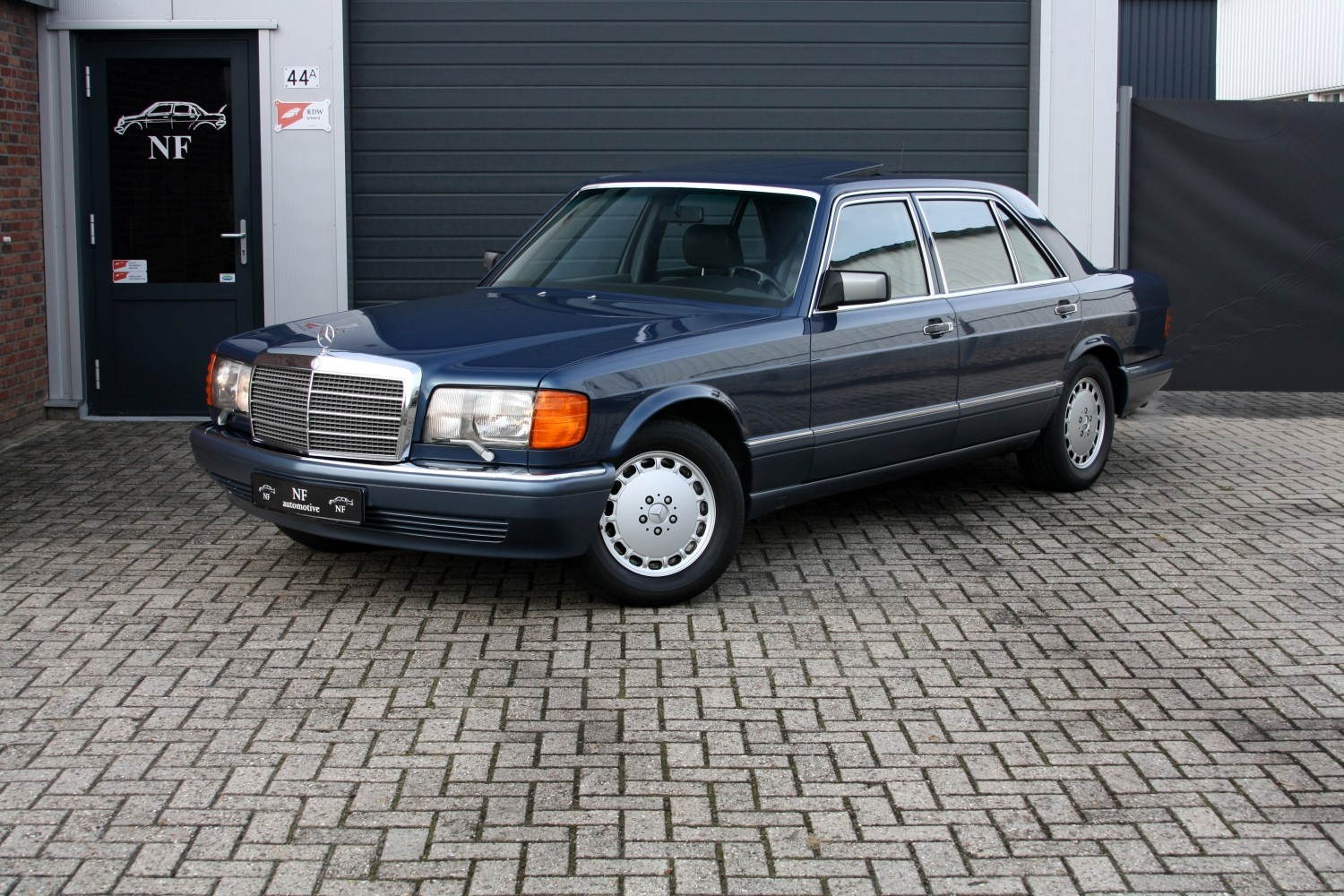 Marche arri re la mercedes benz 560sel w126 auto titre for Mercedes benz in louisiana