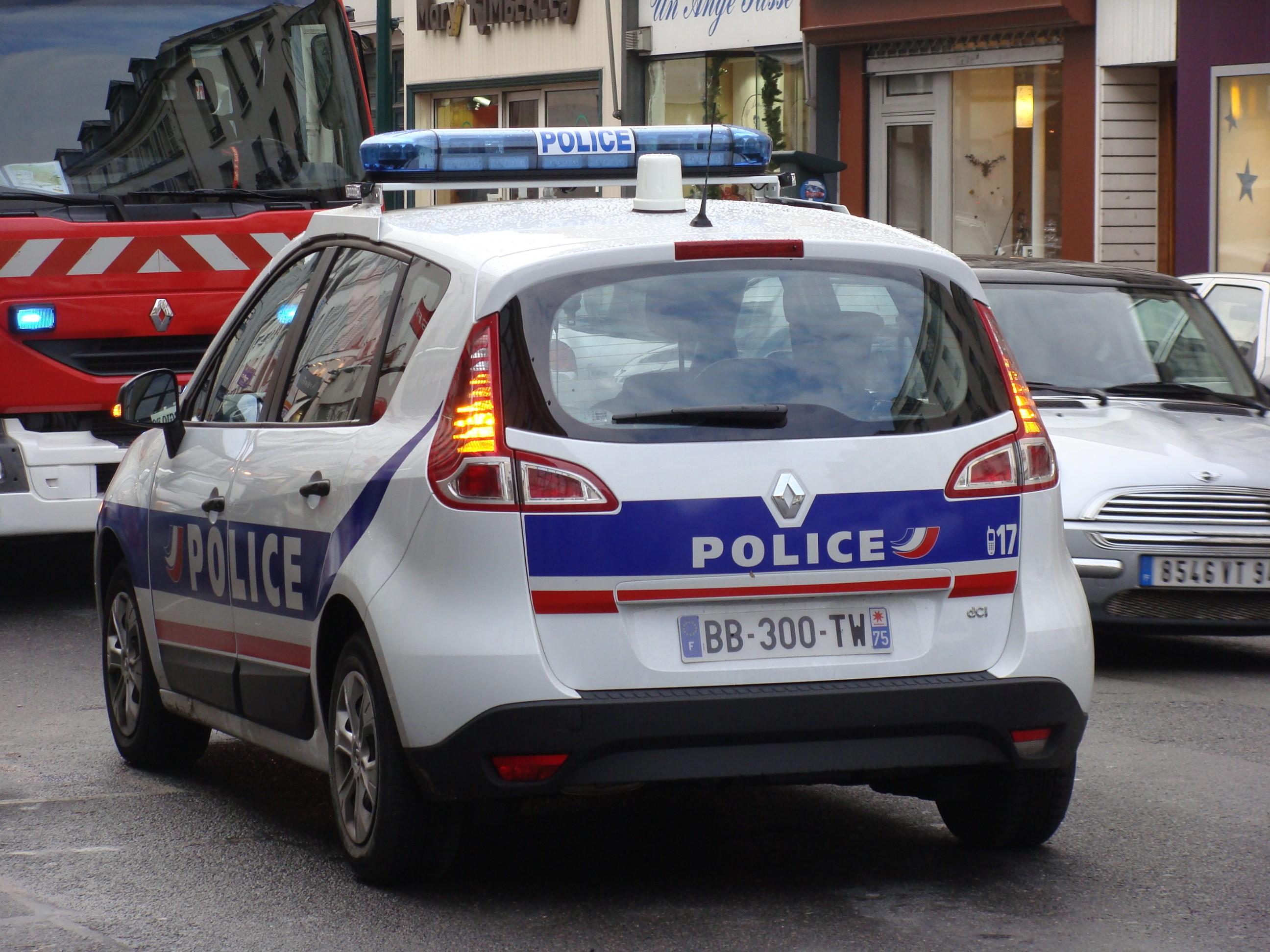 photos de voitures de police page 1650 auto titre. Black Bedroom Furniture Sets. Home Design Ideas
