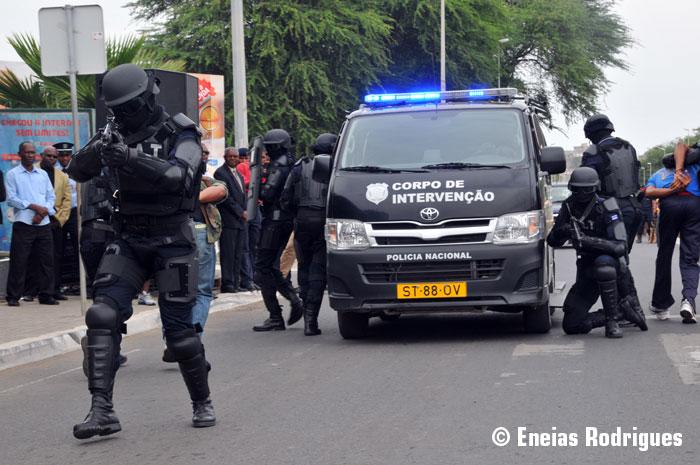 photos de voitures de police - page 2386