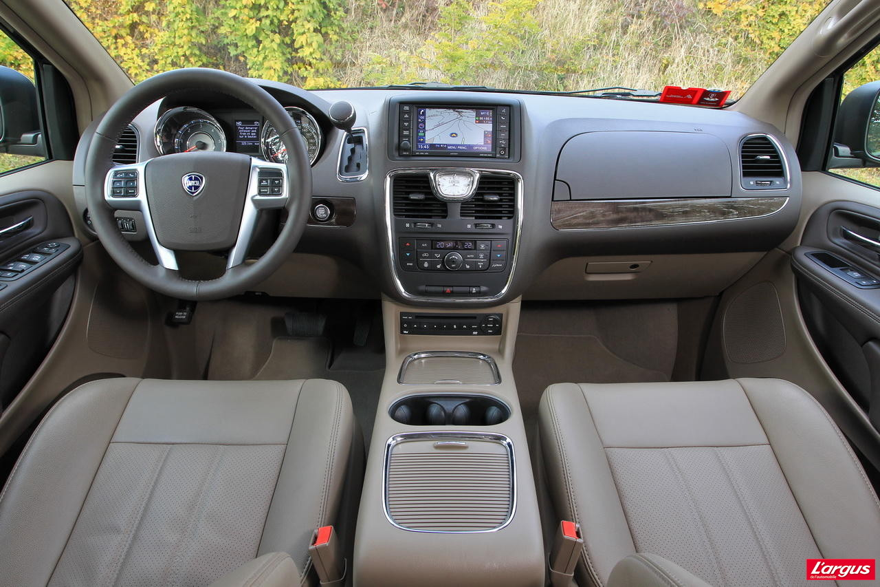 lancia grand voyager 2011 page 4 auto titre. Black Bedroom Furniture Sets. Home Design Ideas