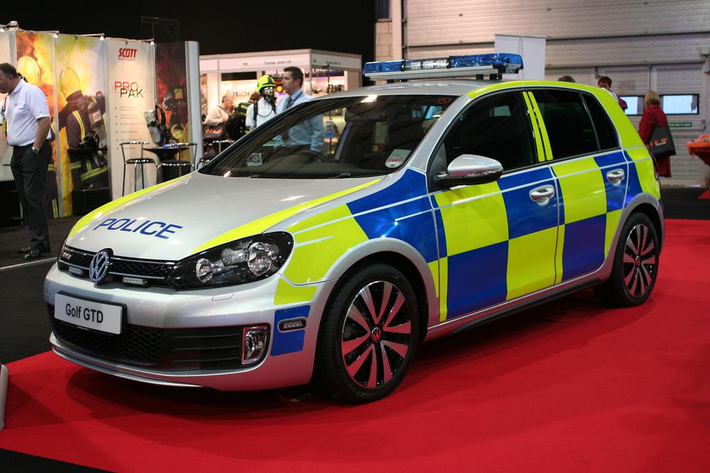 photos de voitures de police page 1695 auto titre. Black Bedroom Furniture Sets. Home Design Ideas