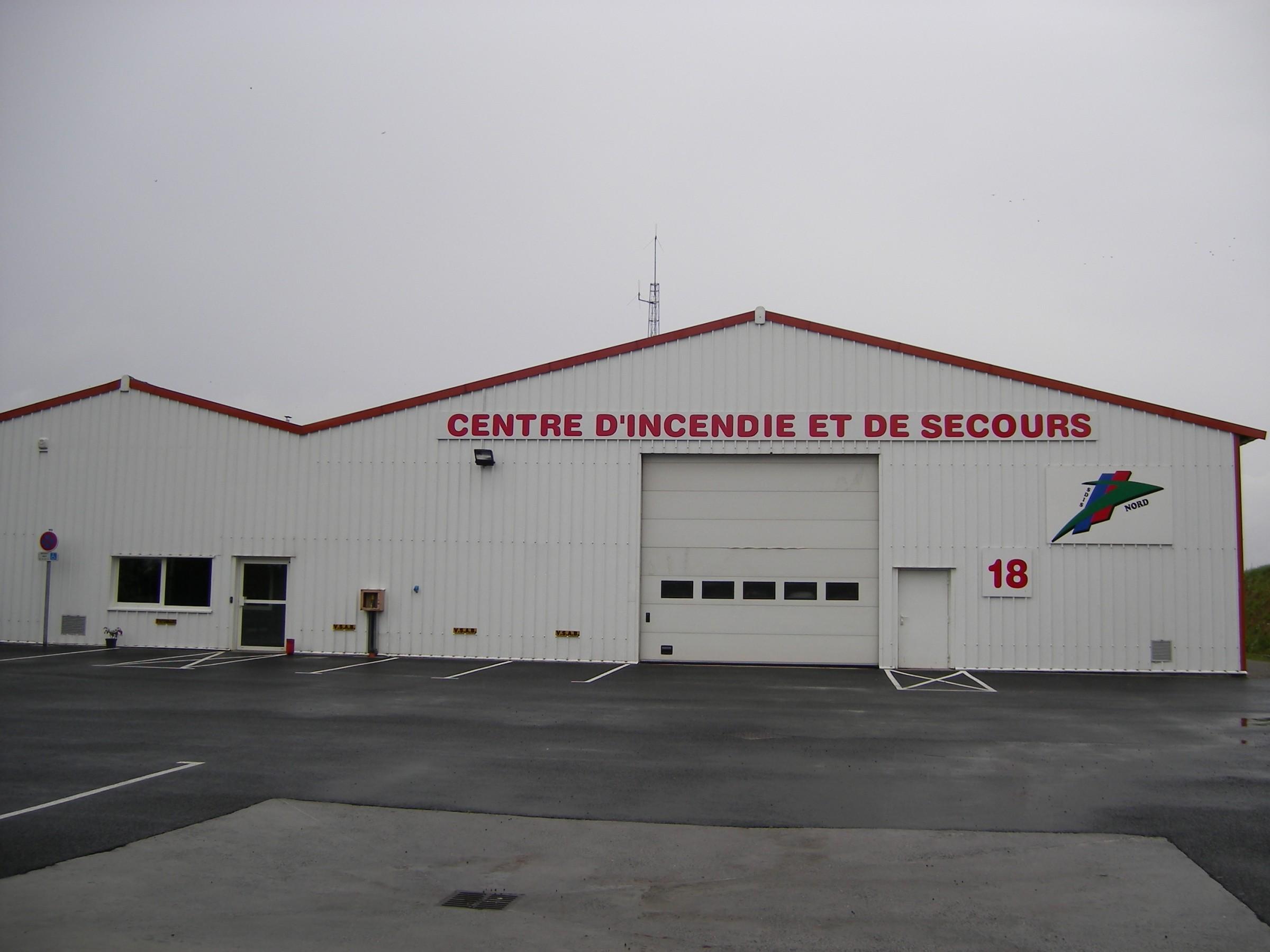V hicules des pompiers fran ais page 193 auto titre for Caillou va a la piscine en francais