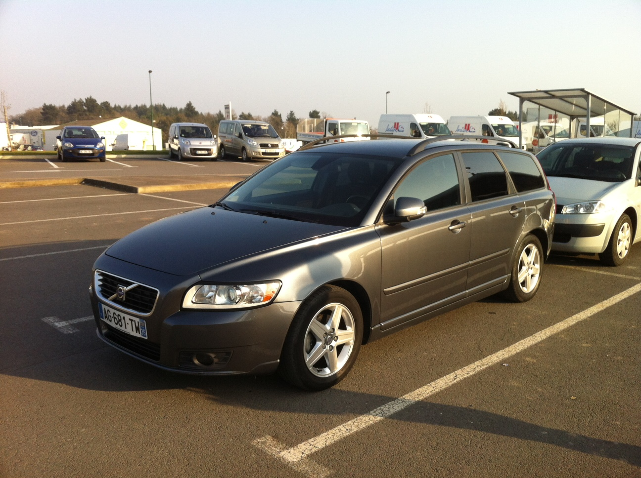 avis sur la volvo v50. Black Bedroom Furniture Sets. Home Design Ideas