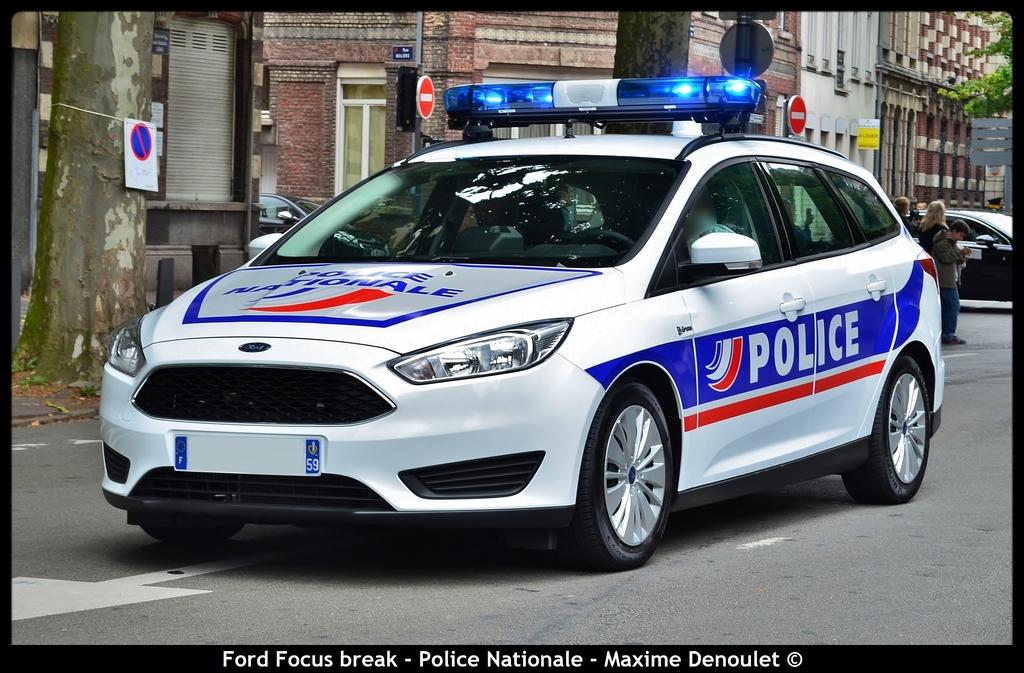 Photos de voitures de police page 2320 auto titre for Police nationale lille