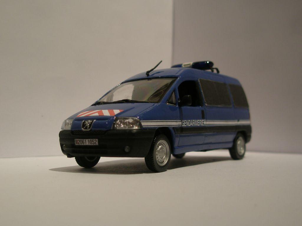photos de miniatures de v hicules d 39 urgence page 81 auto titre. Black Bedroom Furniture Sets. Home Design Ideas