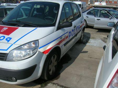 photos de voitures de police page 655 auto titre. Black Bedroom Furniture Sets. Home Design Ideas