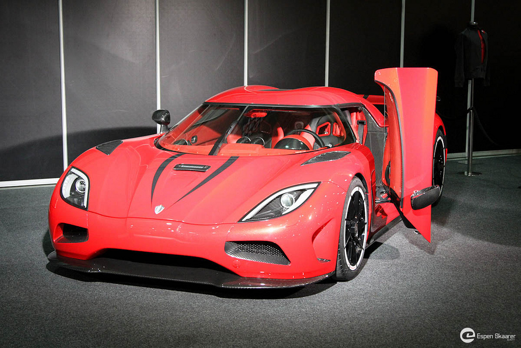fiche technique koenigsegg agera r 2013 auto titre. Black Bedroom Furniture Sets. Home Design Ideas