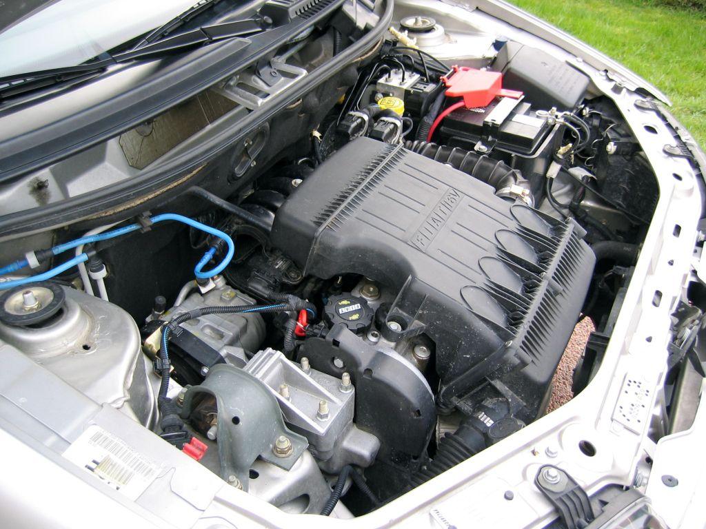Lavage des moteurs au karcher auto titre - Lavage voiture karcher ...