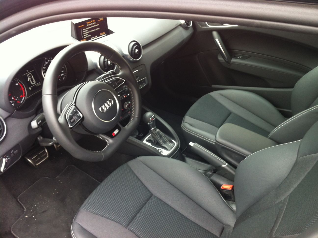 test report audi a1 tdi 105 page 12 auto titre. Black Bedroom Furniture Sets. Home Design Ideas