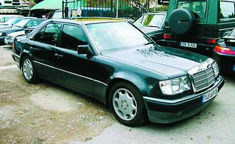 mercedes 500 e v8 326 ch bva auto titre. Black Bedroom Furniture Sets. Home Design Ideas