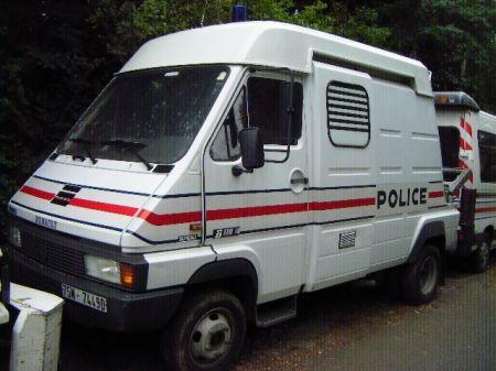 photos de voitures de police page 1590 auto titre. Black Bedroom Furniture Sets. Home Design Ideas