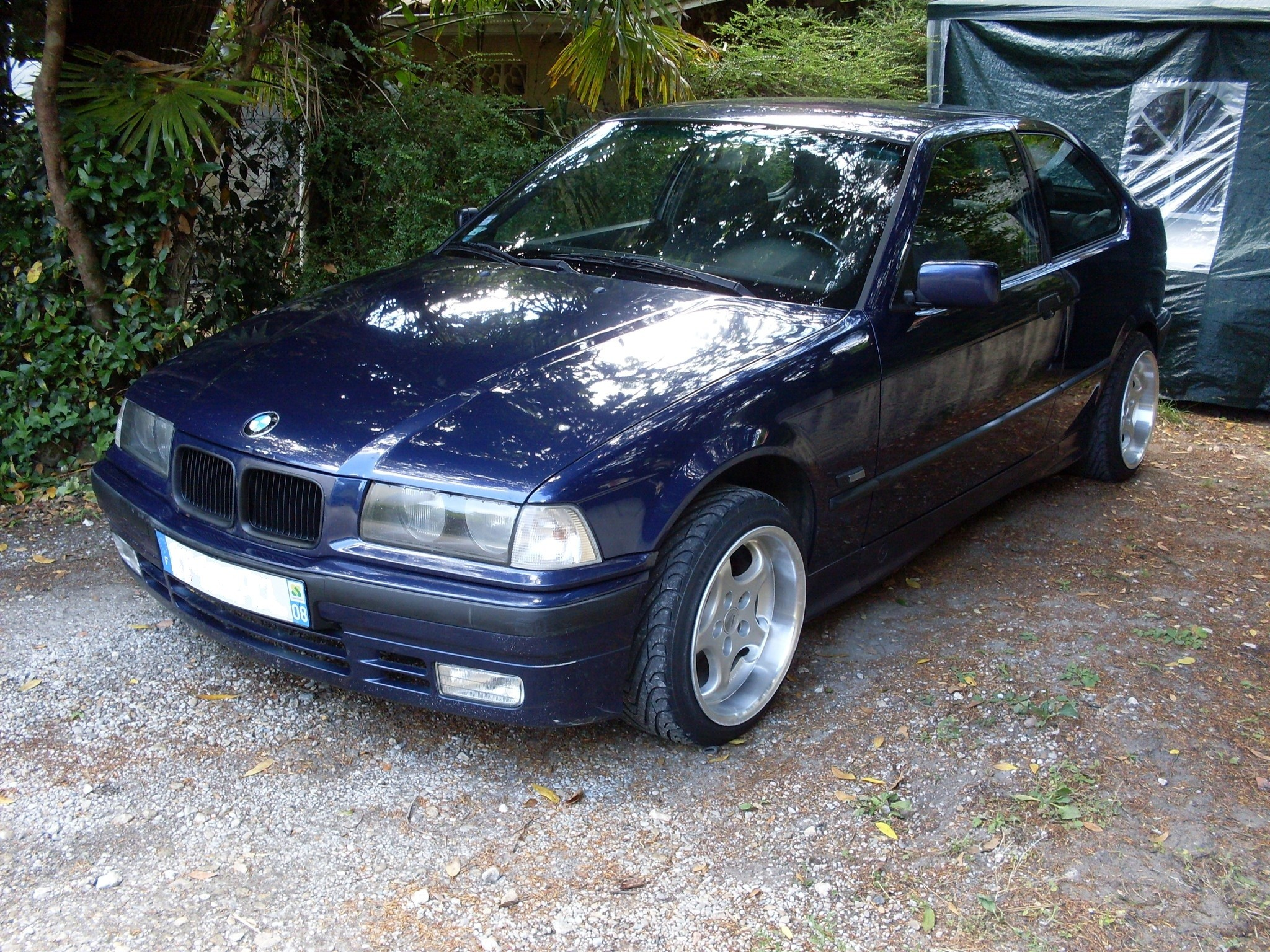 restauration bmw e36 compact futur modif en cours auto titre. Black Bedroom Furniture Sets. Home Design Ideas