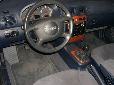 Int rieur bleu sur les audis auto titre for Interieur audi a3 2006