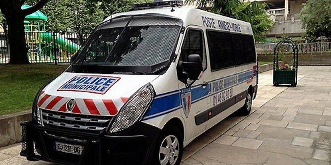 policiers attaque a béziers