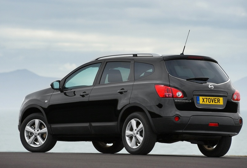 scoopix blog nissan qashqai 7 places. Black Bedroom Furniture Sets. Home Design Ideas