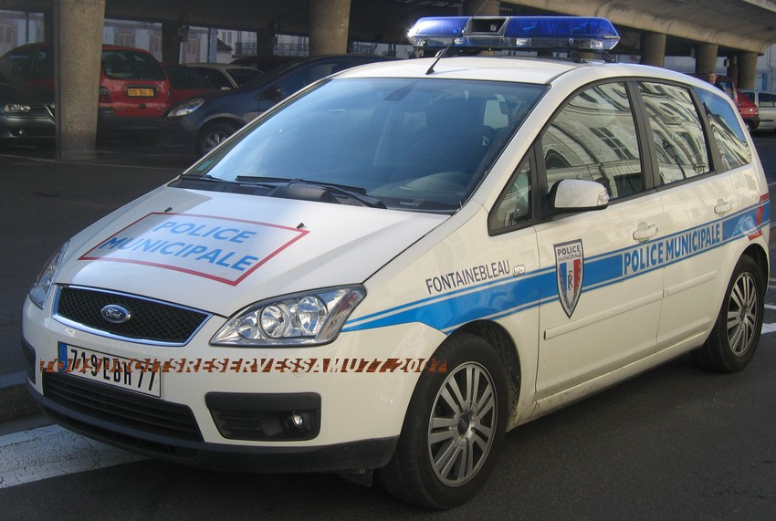 Photos de voitures de police page 648 auto titre for Garage peugeot rungis