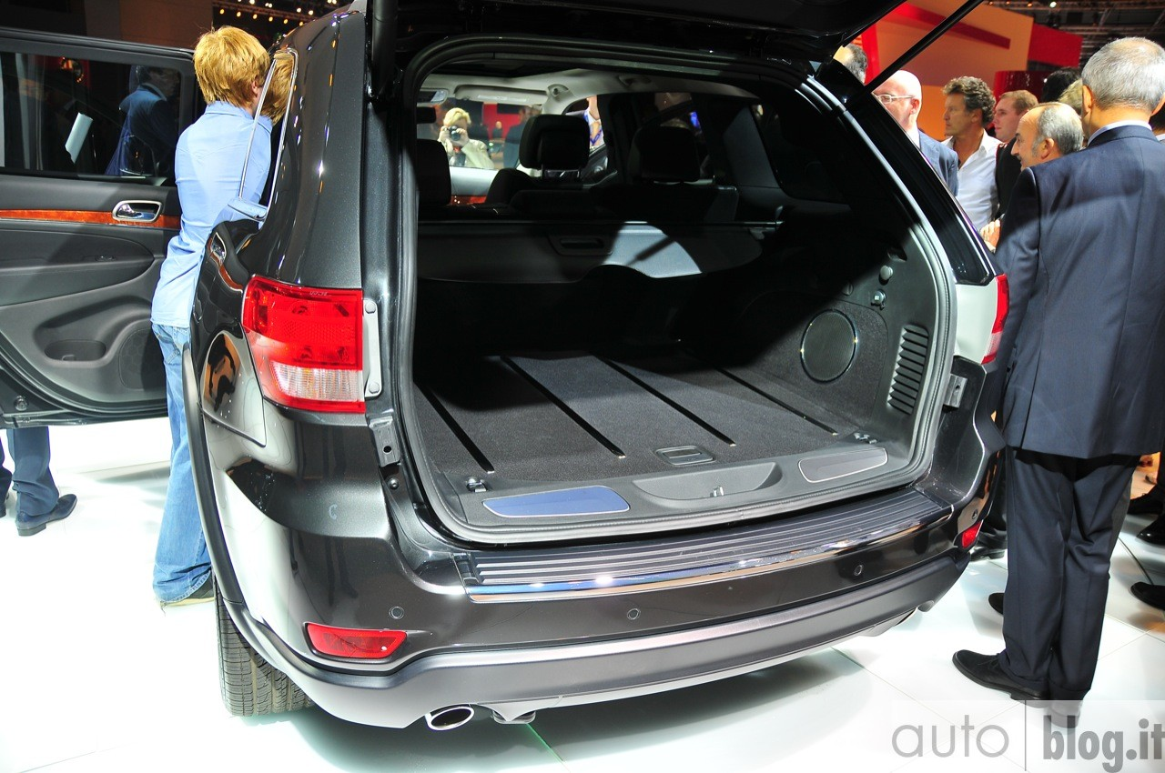 fiche technique jeep grand cherokee wj 3 1td auto titre. Black Bedroom Furniture Sets. Home Design Ideas