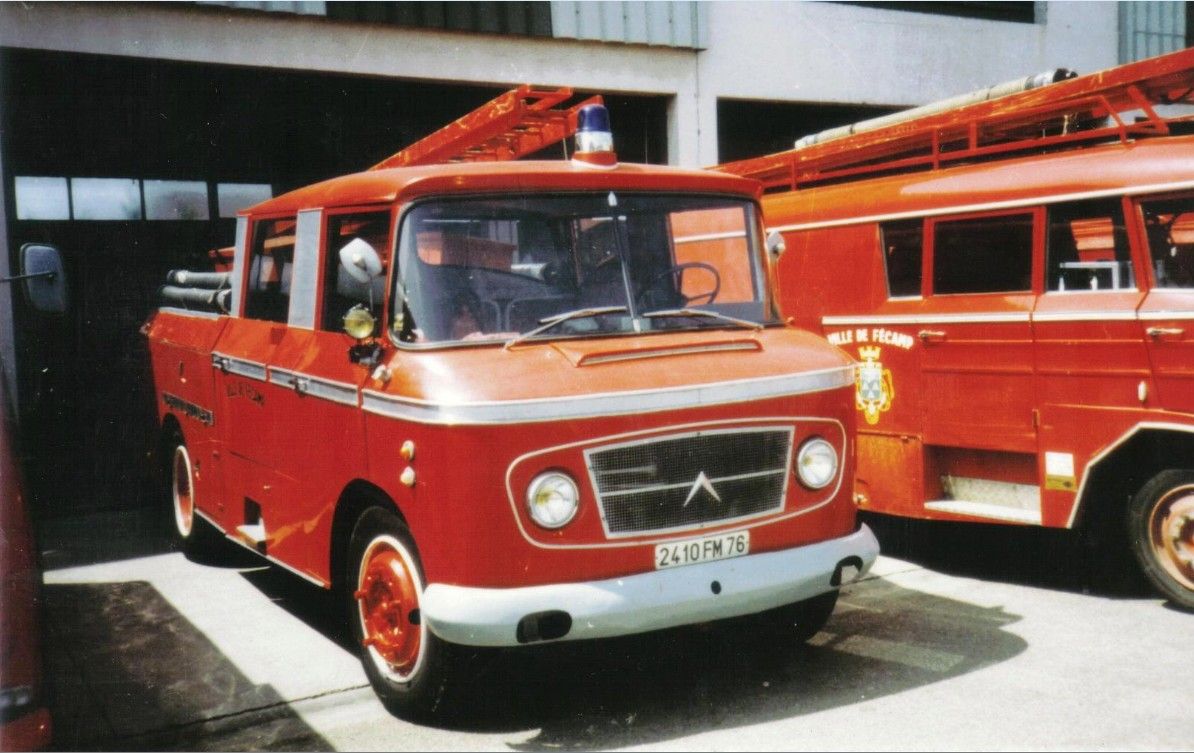 V hicule de pompier ancien page 338 auto titre for Garage mercedes chartres