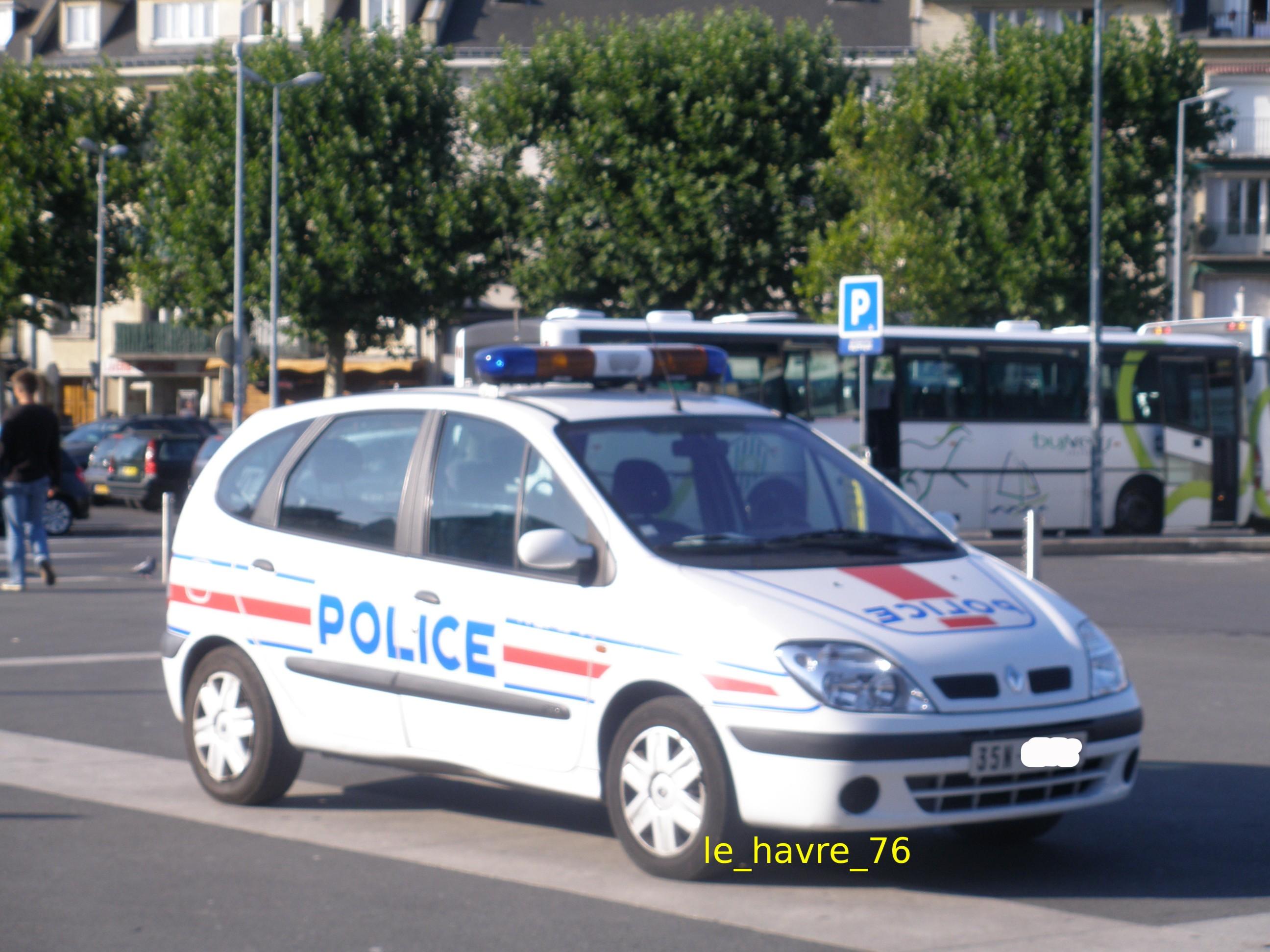 photos de voitures de police page 1367 auto titre. Black Bedroom Furniture Sets. Home Design Ideas