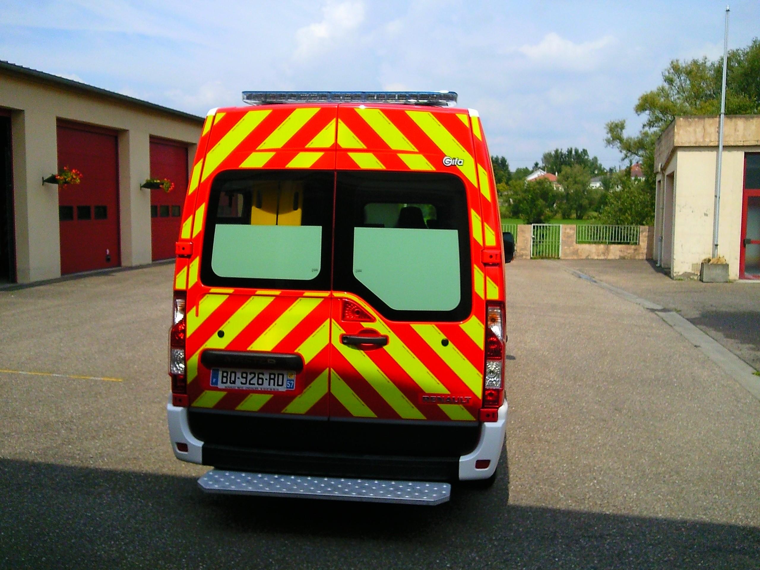 V hicules des pompiers fran ais page 890 auto titre for Garage bouzonville auto