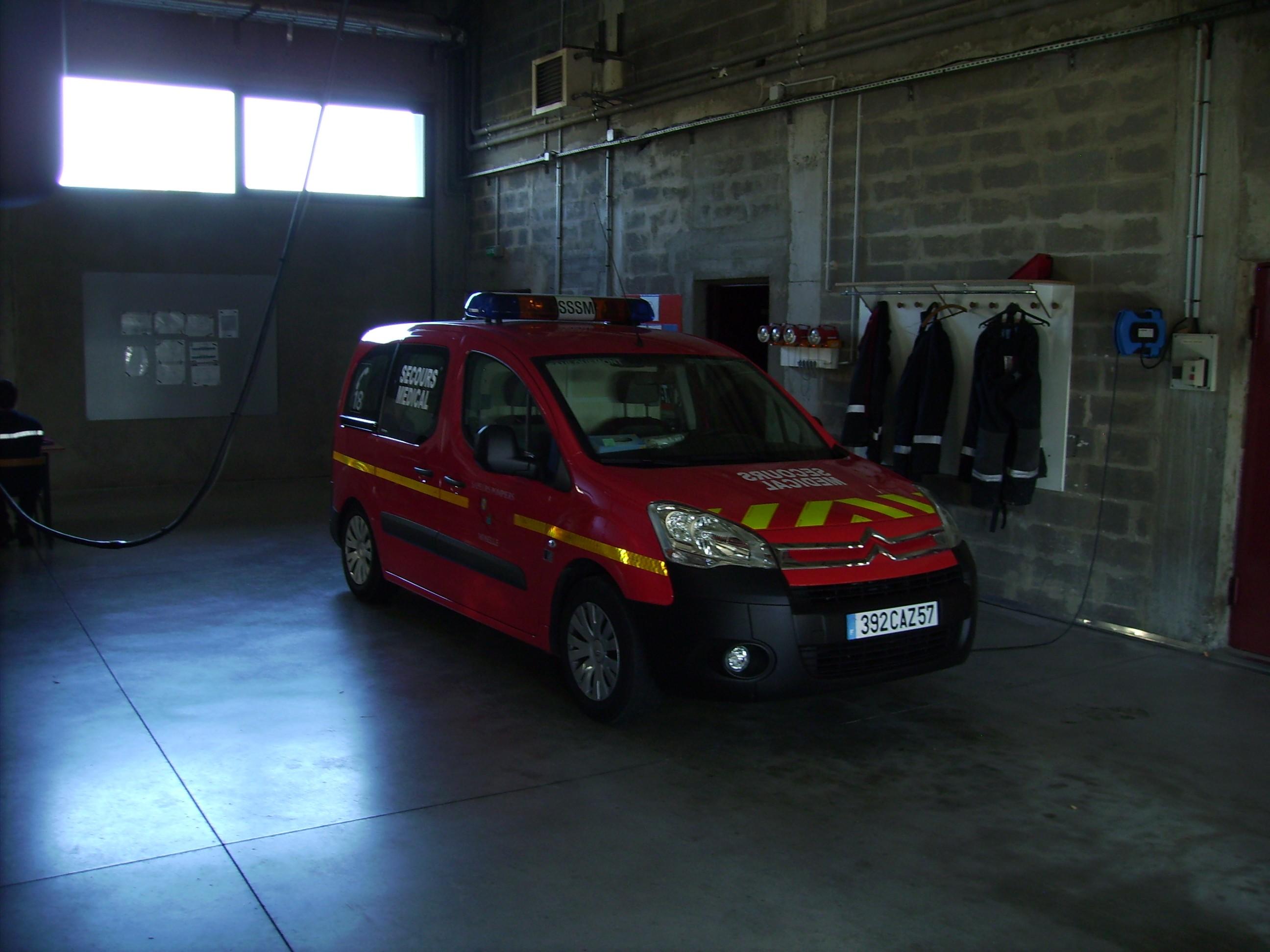 V hicules des pompiers fran ais page 590 auto titre for Garage bouzonville auto