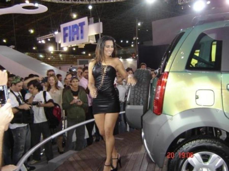 Mondial de l 39 automobile 2016 1 au 16 octobre 2016 page for Hotesse dans les salons