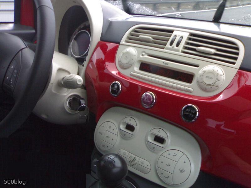 Fiat 500 pour 2007 page 5 auto titre for Auto interieur kuisen