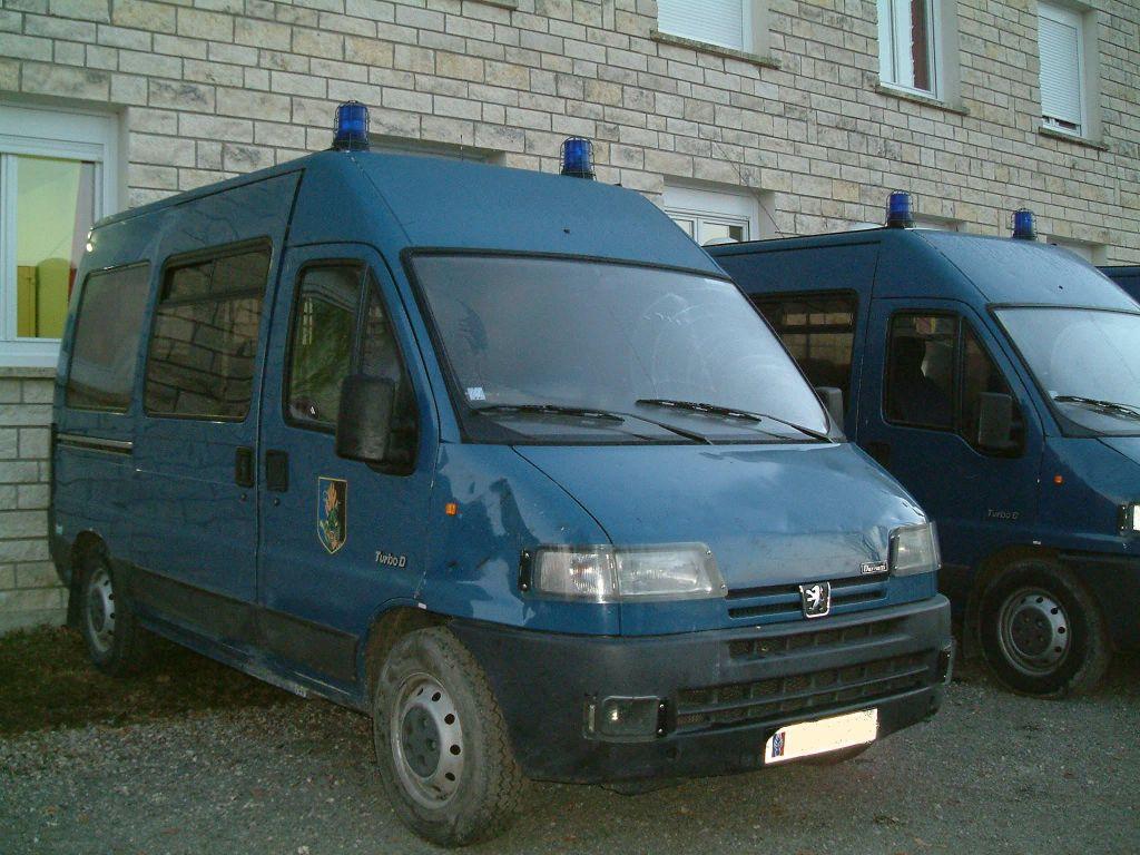 Photos de voitures de police page 25 auto titre - Nouvelle grille indiciaire gendarmerie ...