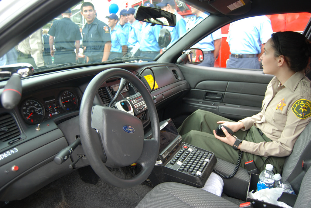 photos de voitures de police page 2626 auto titre. Black Bedroom Furniture Sets. Home Design Ideas