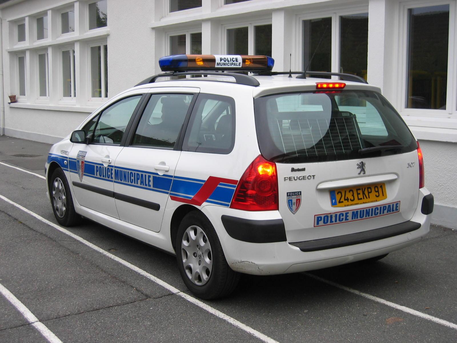 photos de voitures de police page 575 auto titre. Black Bedroom Furniture Sets. Home Design Ideas