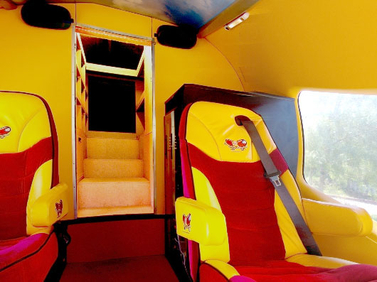 oscar mayer wienermobile saucisses et v8 auto titre. Black Bedroom Furniture Sets. Home Design Ideas