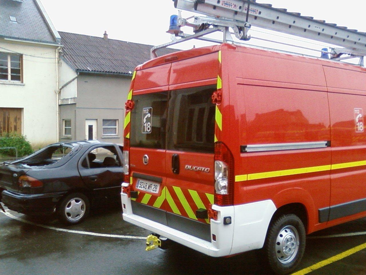 V hicules de pompiers du monde entier page 101 auto titre for Garage mercedes chartres