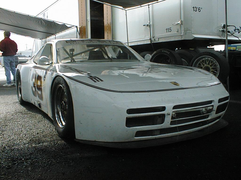 Porsche 944 exotiques auto titre for Porsche 944 interieur