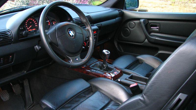 Bmw e36 323 ti pack m auto titre for Interieur e36