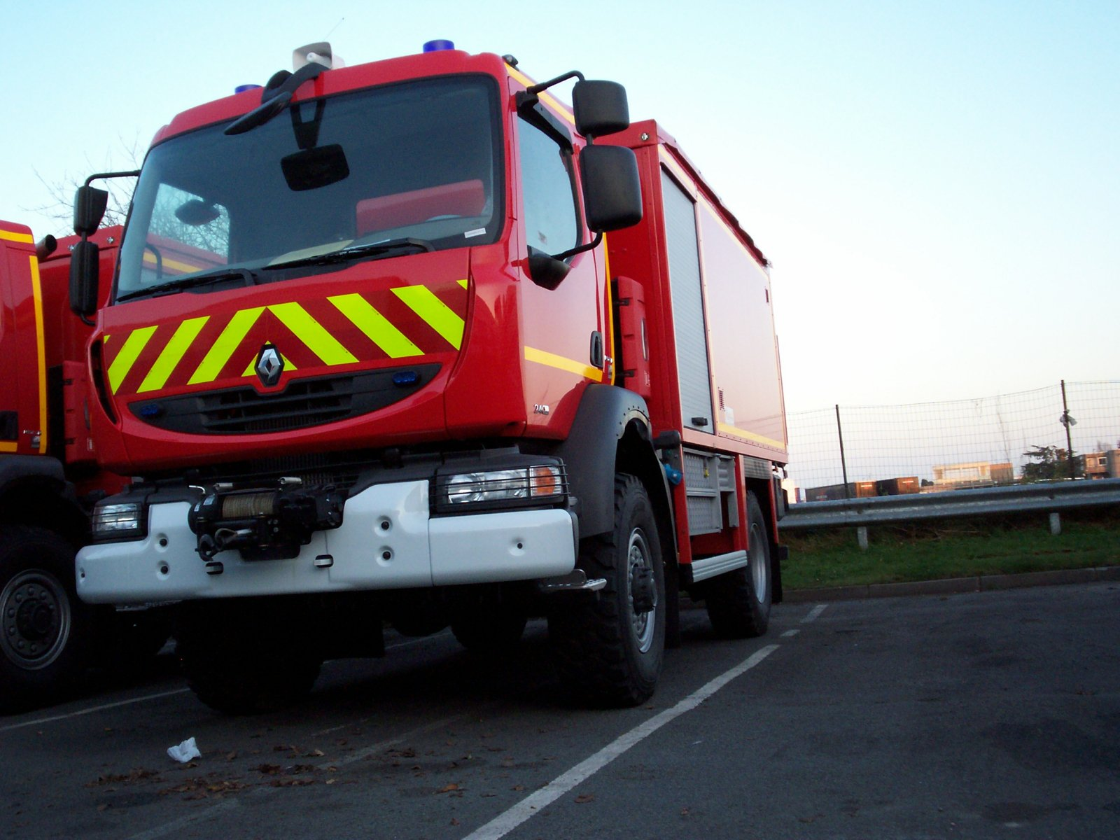 V hicules de pompiers du monde entier page 81 auto titre for Feu vert cherbourg