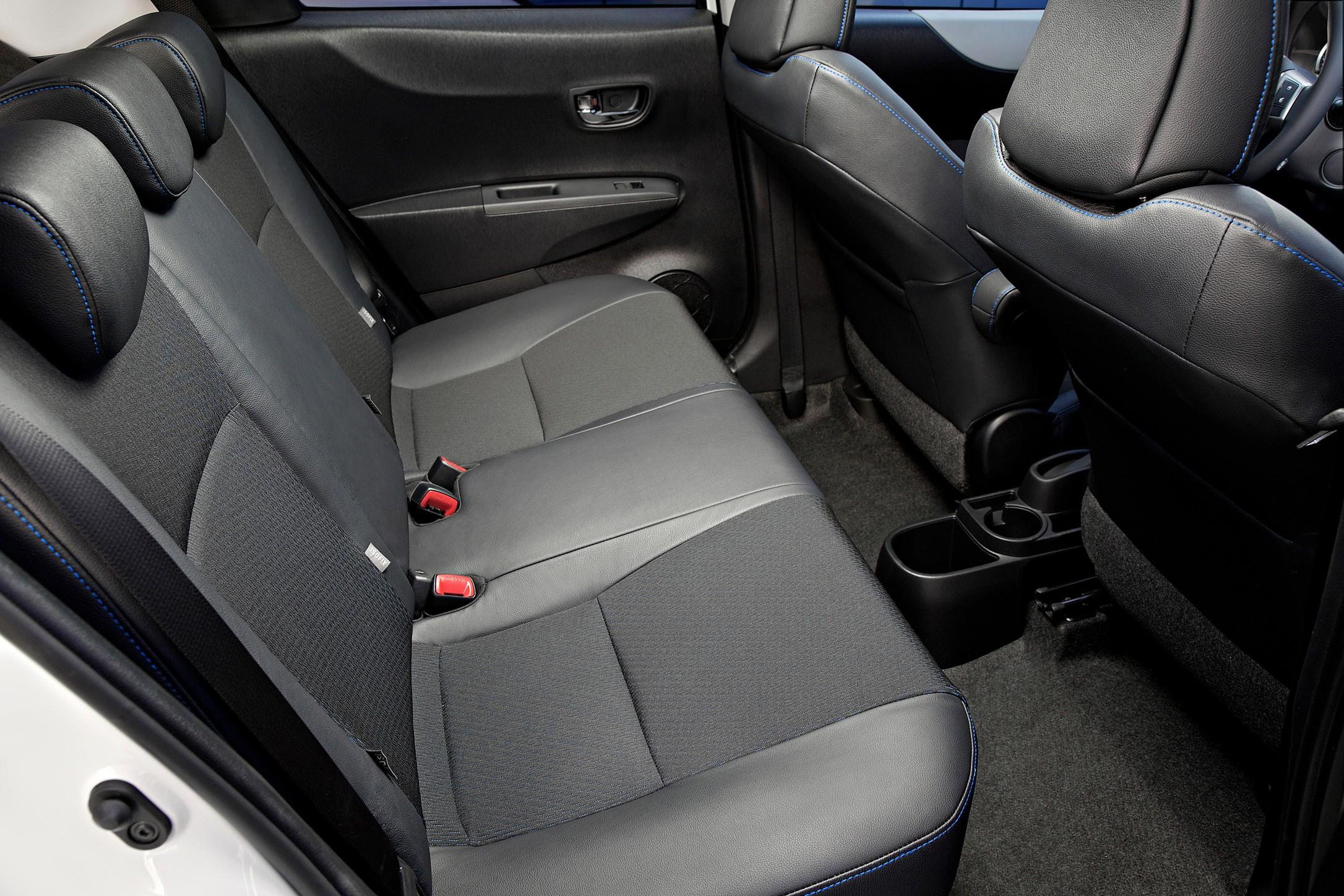 fiche technique toyota yaris 2008 mouvement uniforme de la voiture. Black Bedroom Furniture Sets. Home Design Ideas