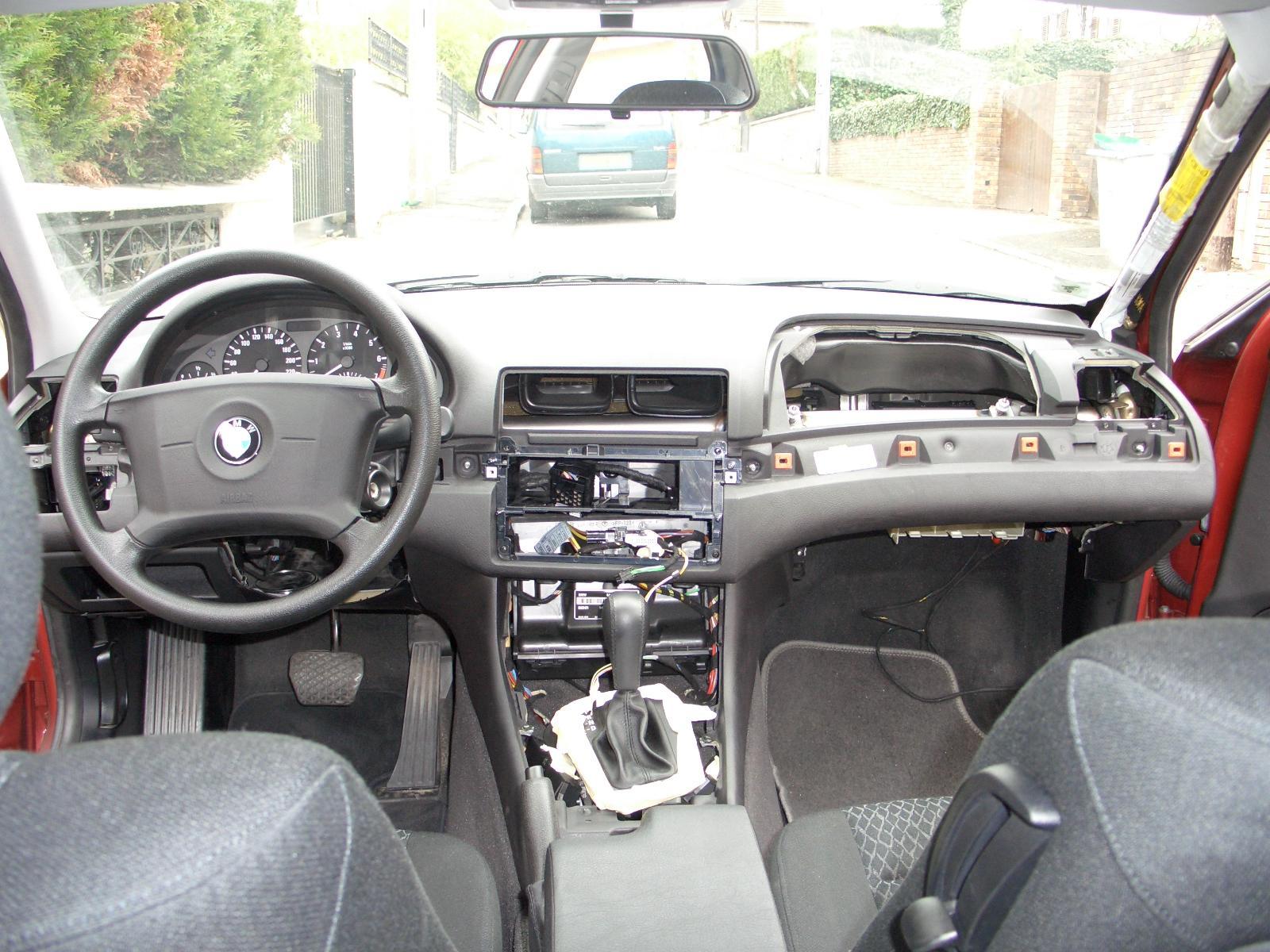 Help d pose tableau de bord sur compact bmw e46 auto titre - Console centrale bmw e46 ...