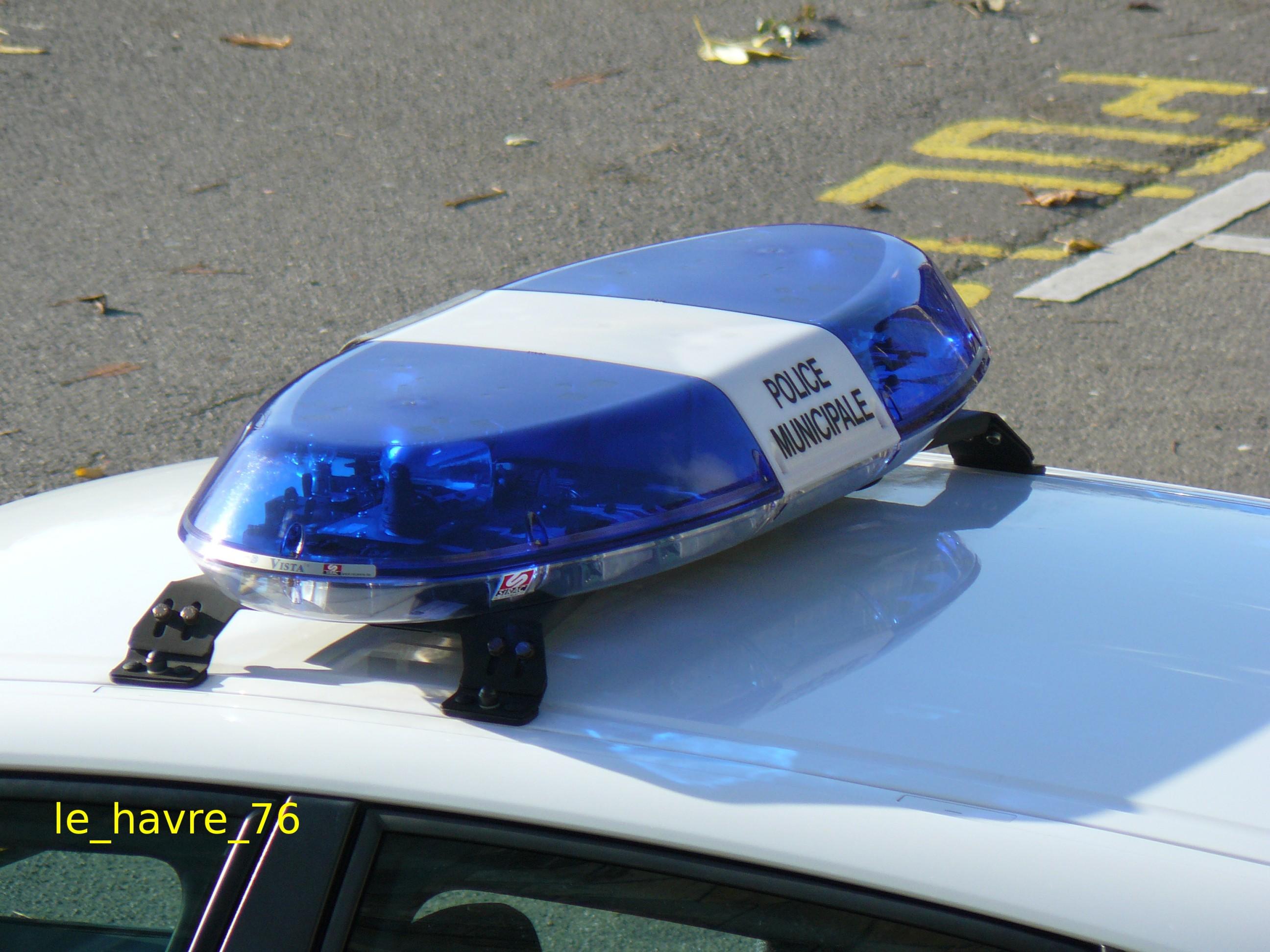 photos de voitures de police page 1430 auto titre. Black Bedroom Furniture Sets. Home Design Ideas