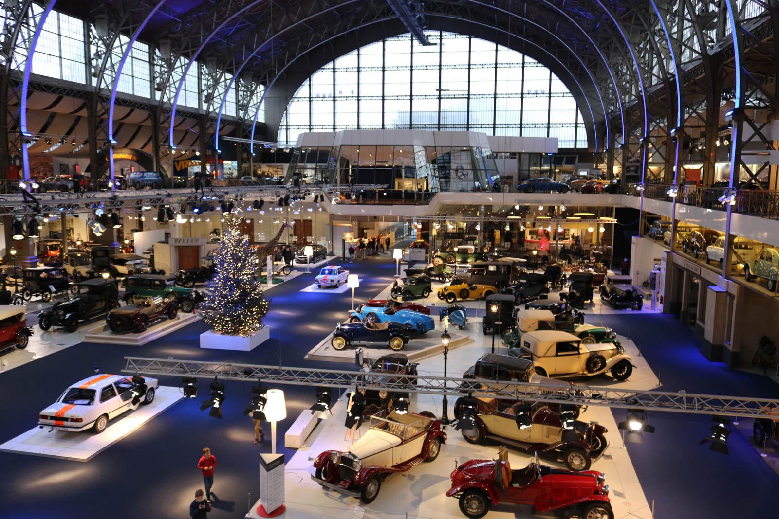 100 ans bmw autoworld bruxelles 2016 auto titre for Salon de bruxelles