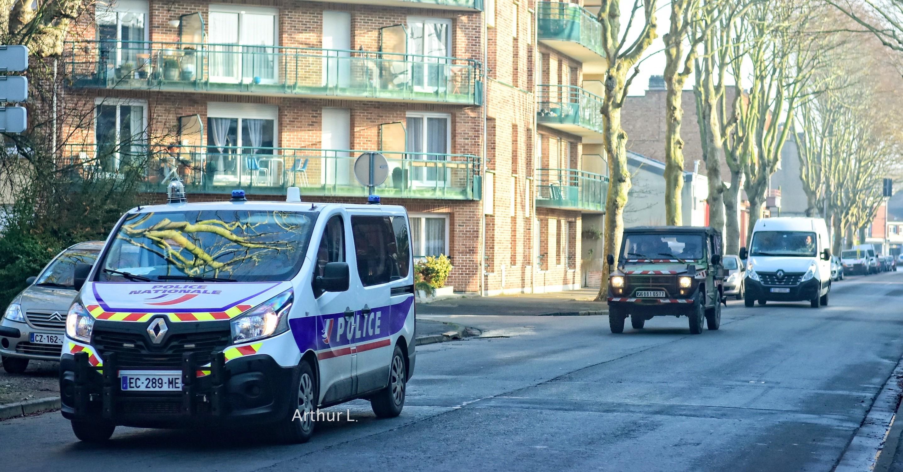 photos de voitures de police page 2483 auto titre. Black Bedroom Furniture Sets. Home Design Ideas