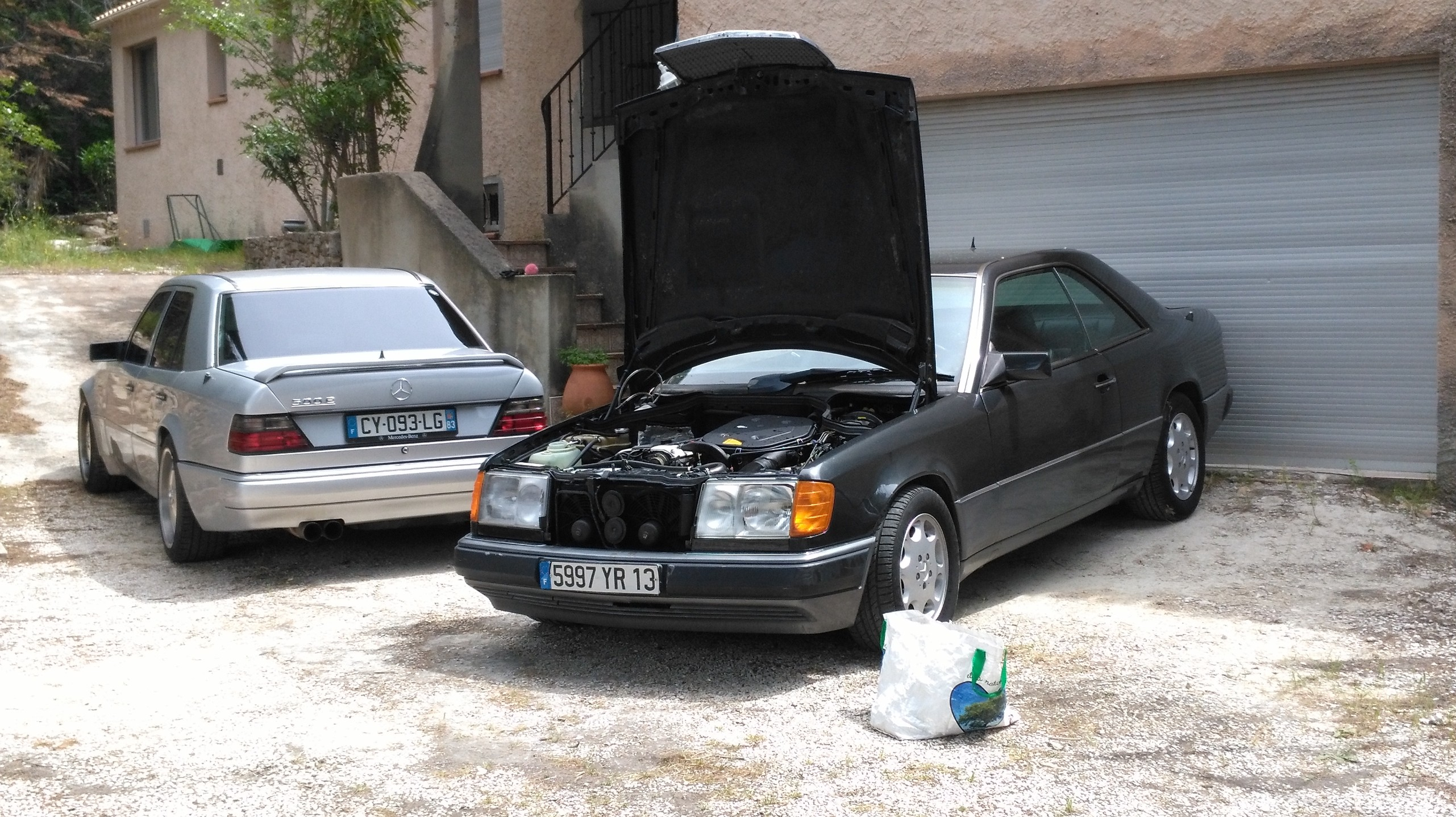 le topic des vieilles mercedes benz essence deutschland uber alles page 210 auto titre. Black Bedroom Furniture Sets. Home Design Ideas