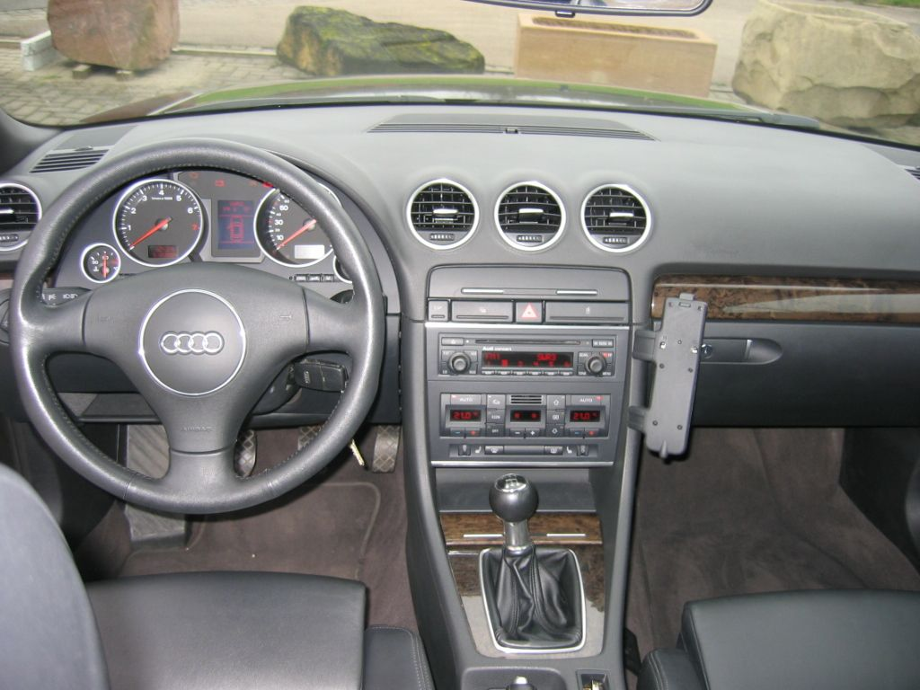 Questions sur audi a4 cabriolet auto titre for Audi a4 break interieur